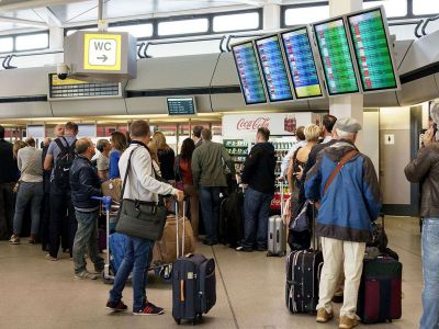 Cách mang đồ khô lên máy bay đi nước ngoài và một số điều cần lưu ý
